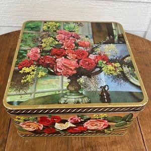 Vintage English Rose Biscuit Tin Peek Frean London